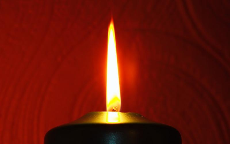 Черная свеча и серебро: выявляем приворот